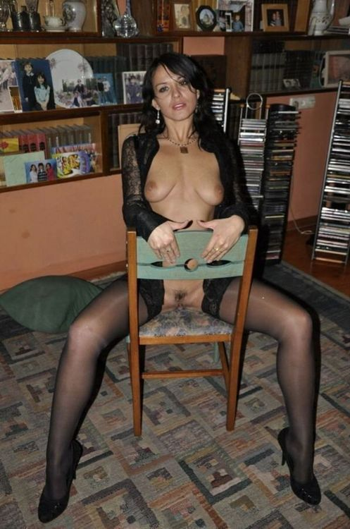 Sexy French MILF in black lingerie and nylonsX