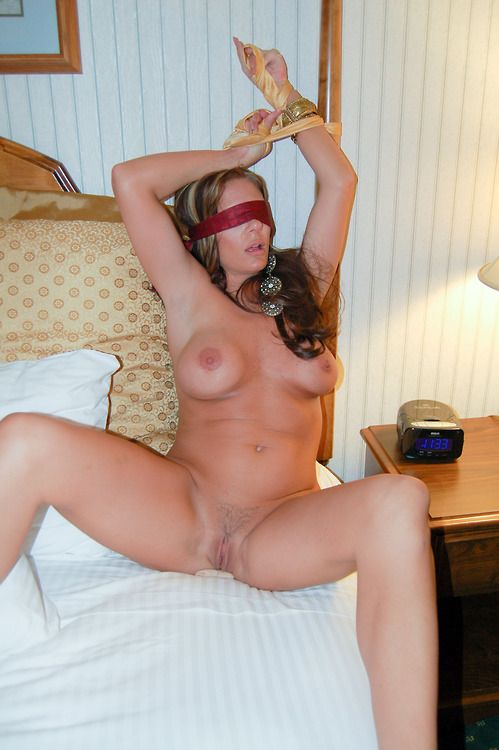 Amateur girl in blindfold masturbates for master part 2 7