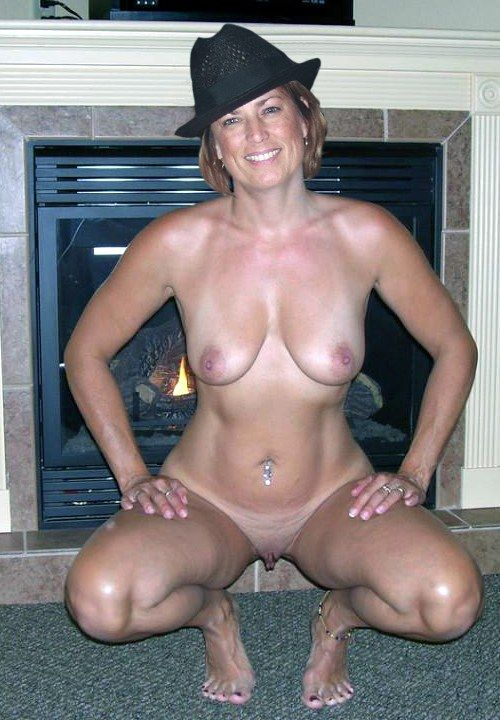 Real moms nude bodies