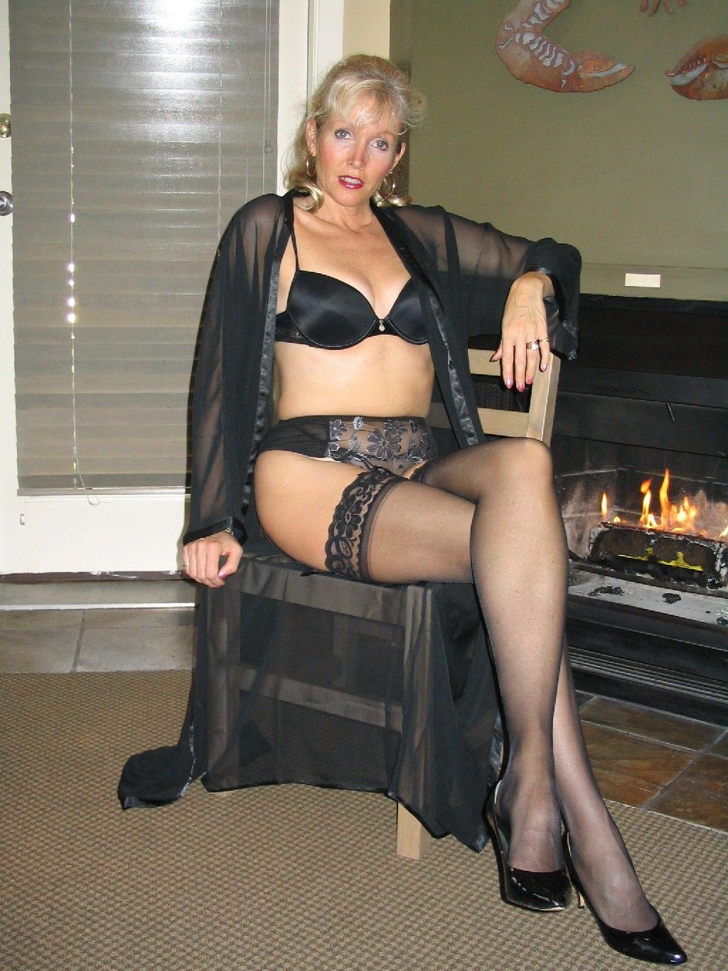 Mature Wife Posing In Sexy Black Lingerie  Milf Update-5413