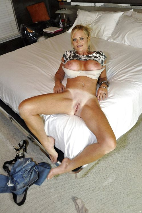 selfshot czech mature escort