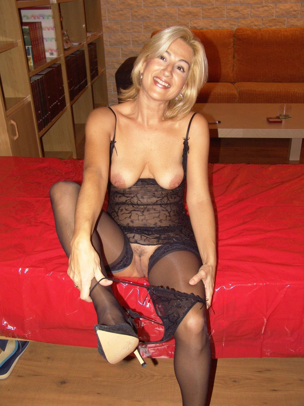 Milf In Black Lingerie And Nylons Taking Off Her Lace Panties Milf Update