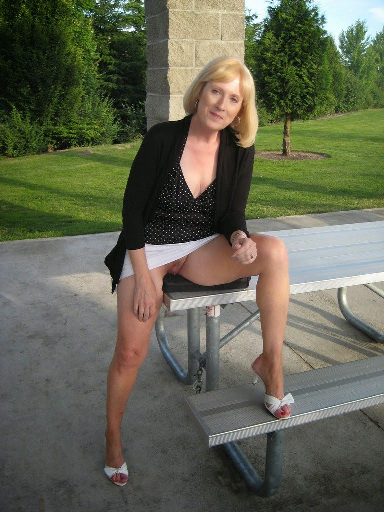 Mature wife no panties upskirt in nature