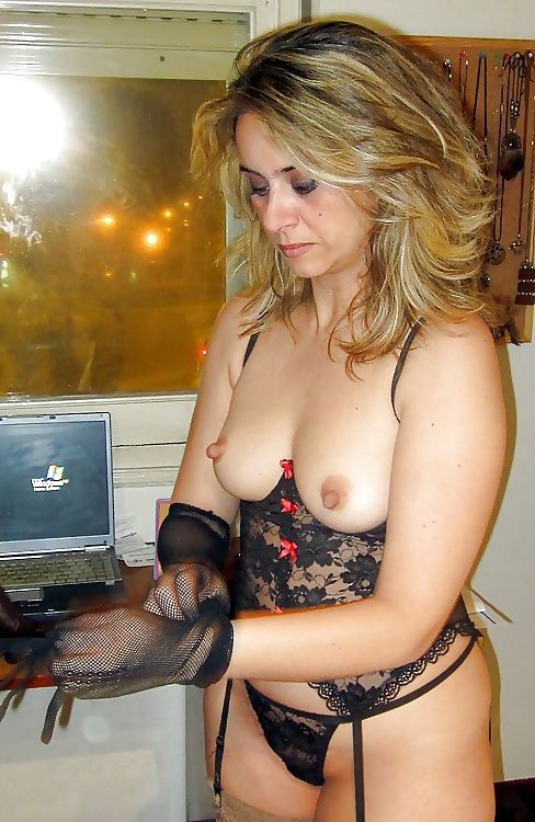 hot sexy wife in lingerie nude