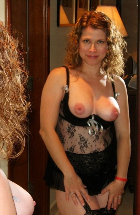 Curly wife in sexy lingerie want's you in her bed