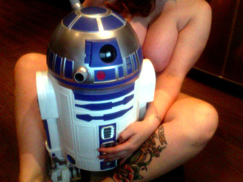 A pair of E cup MILF tits and R2D2
