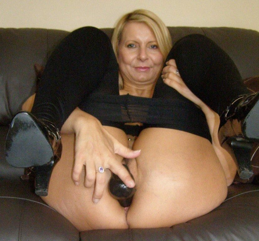 bedfordshire-blonde-sandy-aka-alex-working-her-pussy-with-dildo-in-lingerie-catsuit-07