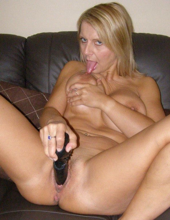 bedfordshire-blonde-sandy-aka-alex-working-her-pussy-with-dildo-in-lingerie-catsuit-14