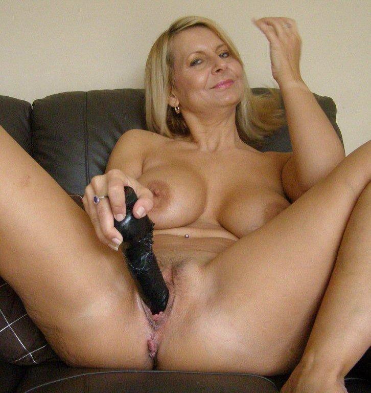 Bedfordshire Blonde Sandy Aka Alex Working Her Pussy -1336