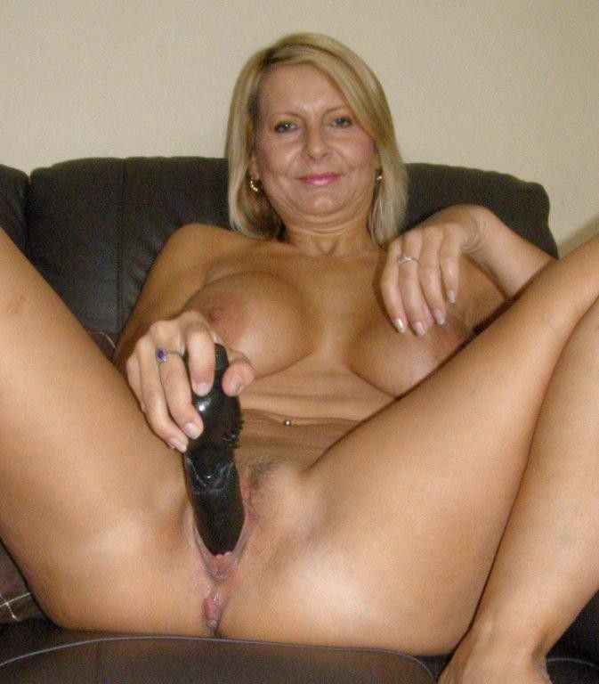 bedfordshire-blonde-sandy-aka-alex-working-her-pussy-with-dildo-in-lingerie-catsuit-16